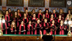 Ženski hor srednje škole, diriguje Csikós Krisztina